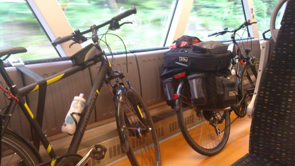 Unsere Fahrräder mit Packtasche (c) radelei.de